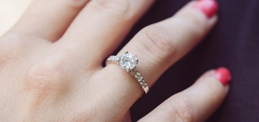 White-Gold-Engagement-Rings-849x400
